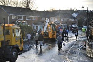 H&C help with floods over Christmas. Thanks to @TheBoltonNews for the pictures, Dec 15!