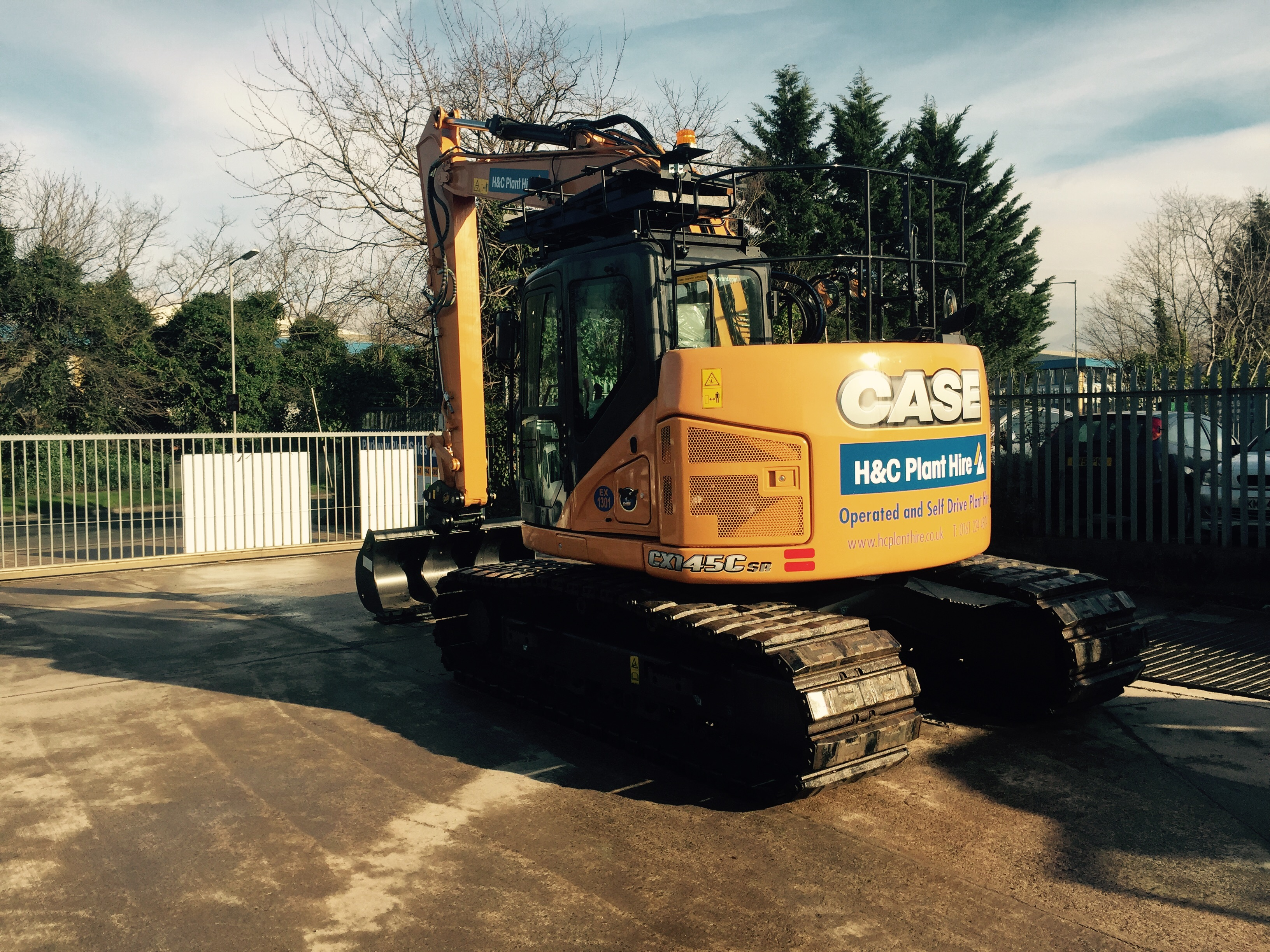 H&C Invest in brand new 13 ton zero tail excavator, available for hire now, Feb 2016!